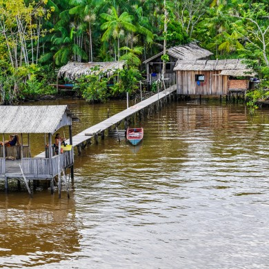dwellings on stilts Amazon