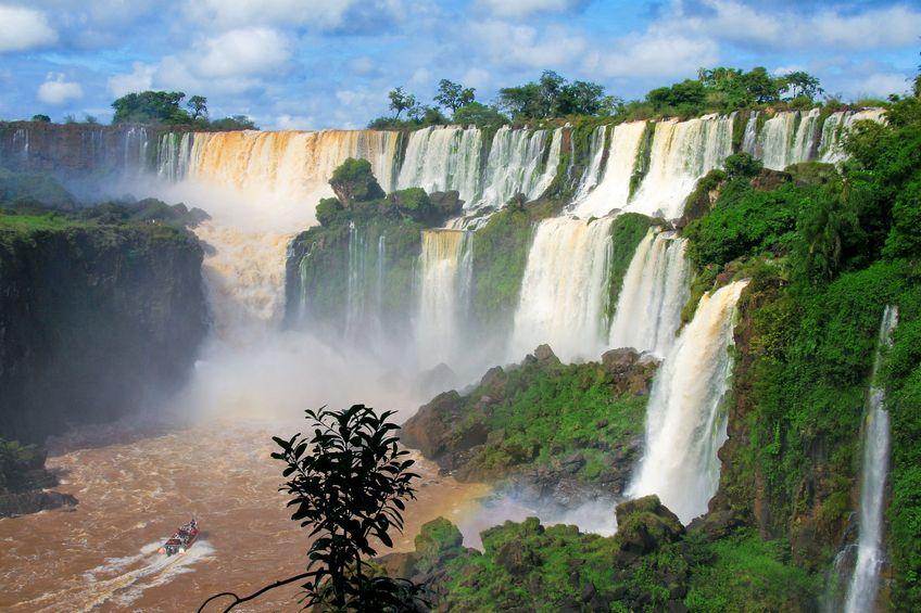 Iguaçu en bateau au pied des chutes argentine