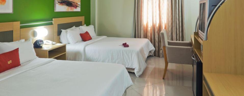 Chambre deux lits doubles Hotel Crowne Belem